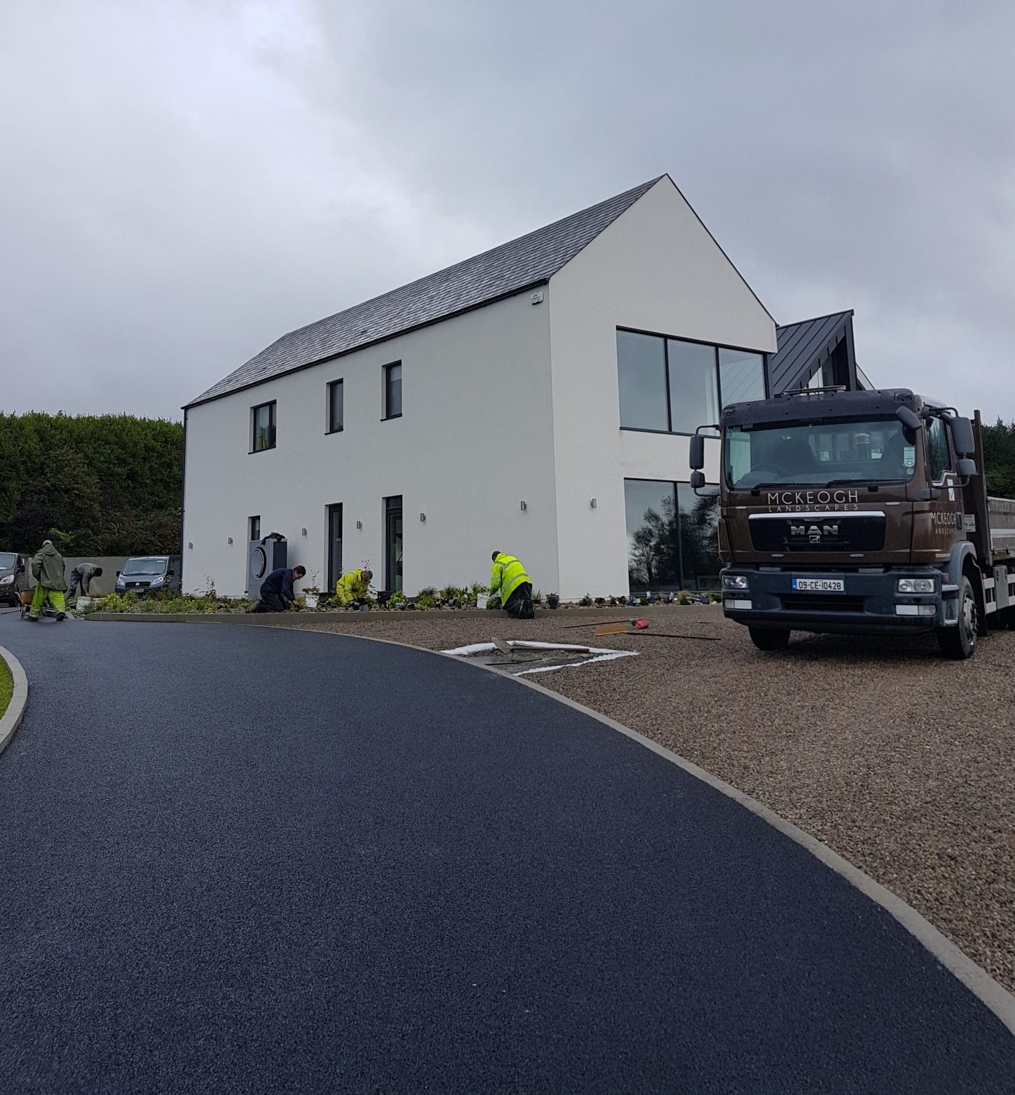 Tarmac-driveway-gravel-chips-clare