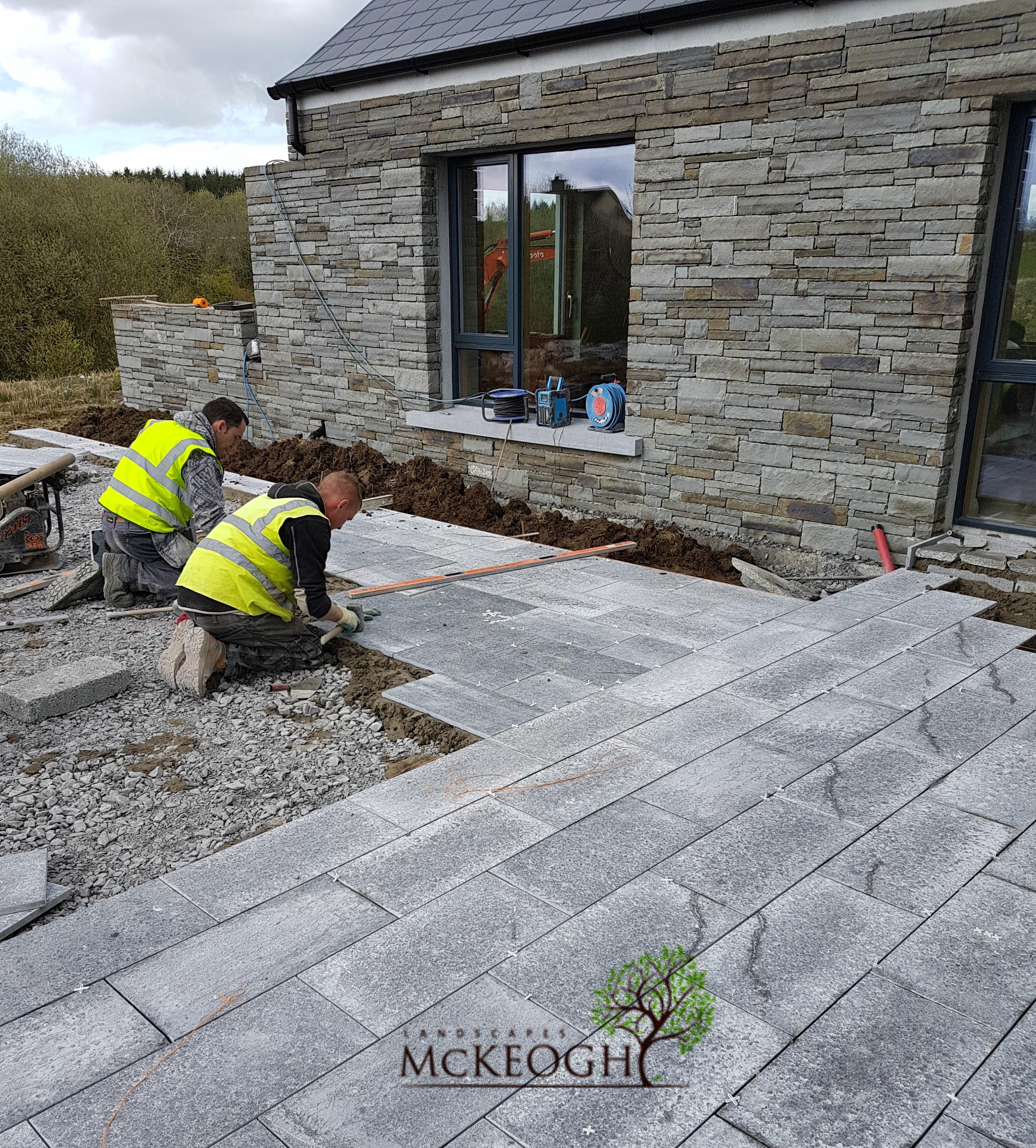 Kilkenny-limestone-paving-modern-house-clare