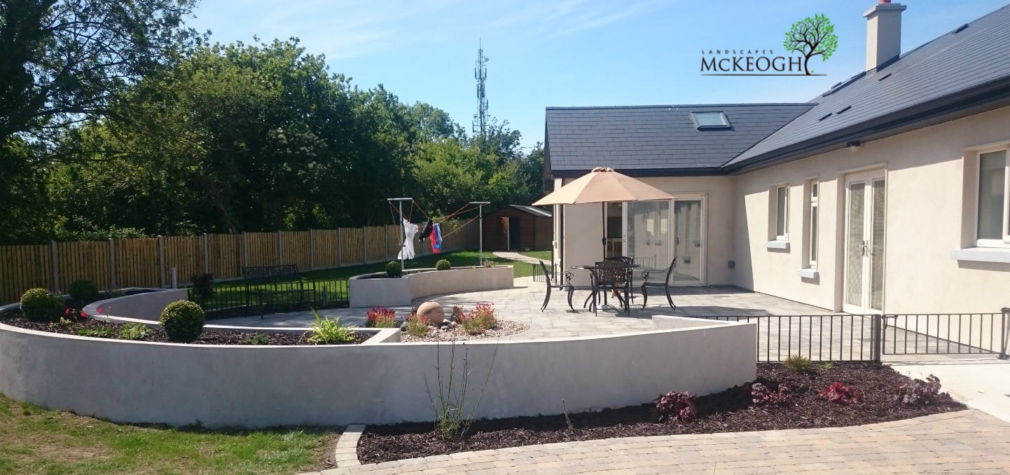 Patio-Curved-walls-Tipperary-landscaping